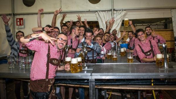 Oltre 20mila litri di birra consumati nel primo weekend di Oktoberfest Cuneo