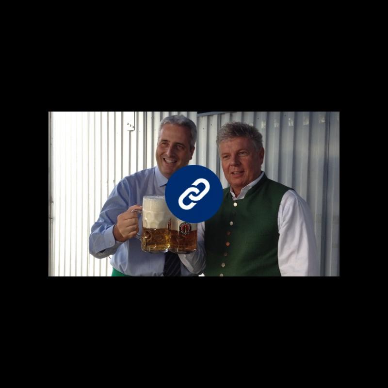 """""""O' Zapft is!"""": Federico Borgna ha superato con successo la prova d'apertura della prima botte per il prossimo Oktoberfest Cuneo"""